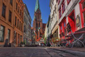 den besten Blick auf den Schweriner Dom hat man von der Buschstraße.