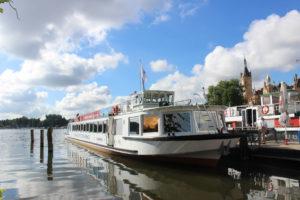 Mit der Weissen Flosse kommt man ganz entspannt über die Schweriner Seen.