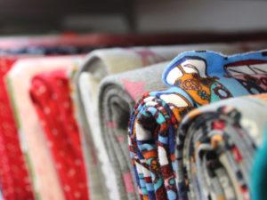 """Strick- und Näh-Pahl ist die erste Anlaufadresse in Sachen Handarbeit. Mit den umliegenden Geschäften ist im Klöresgang der Schweriner Höfe ein Paradies für alle """"Do it yourself""""-Fans, Bastler, Kreative und Handarbeitsfreunde entstanden."""