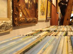 Aus dem alten Tapetengeschäft in der Friedrichstraße wurde die Wohn-Kunst-Galerie. Heute ist hier viel mehr zu Entdecken als nur Tapeten.